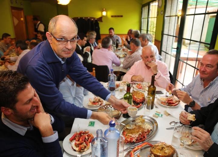 PORTADA Centolada de la Cofradia do Centolo Larpeiro, restaurante A Lareira do Larexo, O Grove centolo centollo centolla